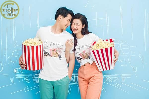 Đông Nhi và Ông Cao Thắng là một trong những cặp đôi trong Showbiz Việt được yêu thích nhất